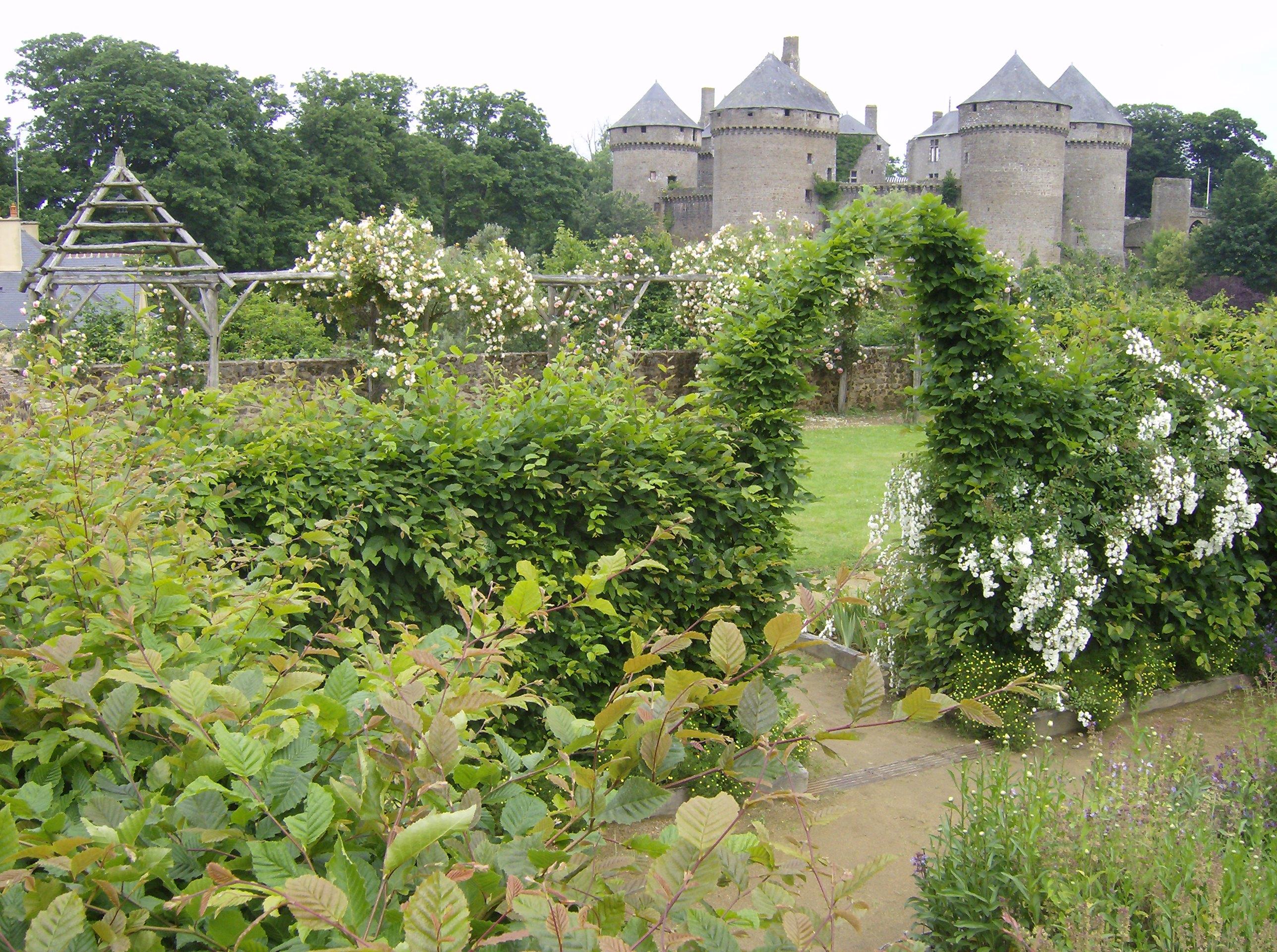 Jardin m di val lassay les ch teaux for Jardin medieval